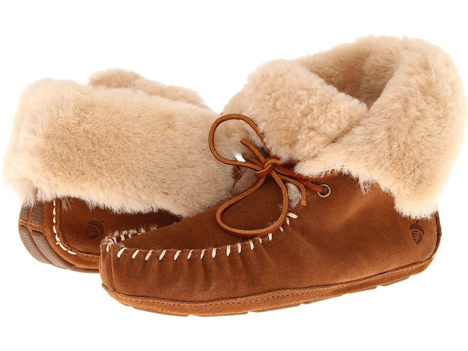 image of Acorn Sheepskin Moxie Boot (Chestnut) Women's Boots