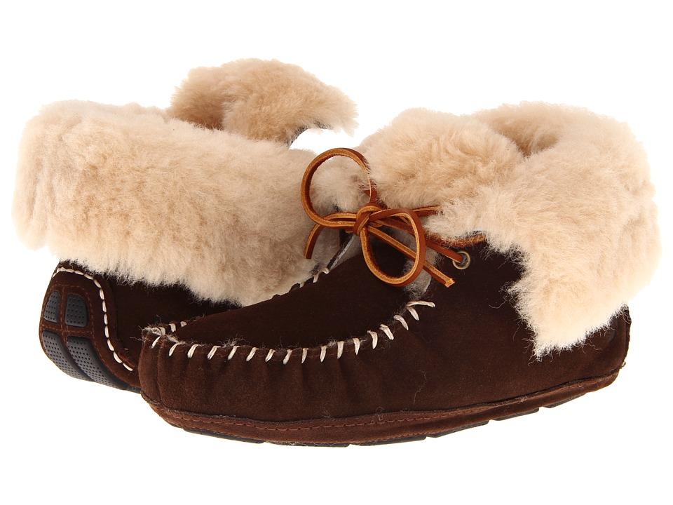 image of Acorn Sheepskin Moxie Boot (Dark Chocolate) Women's Boots